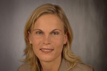 Frau Kristina Dronsch